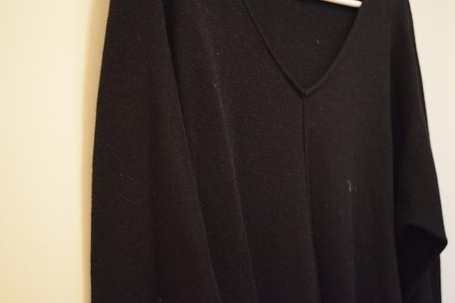 Gap Classic V-neck Vneck Exposed Seam Seam Middle Seam Middle Easy Casual Every Day Sweater