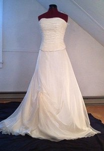 Pronovias San Patrick Wedding Dress