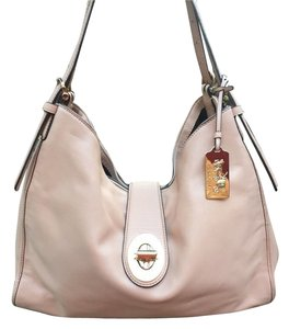 Coach Glove Tanned Leather Shoulder Bag