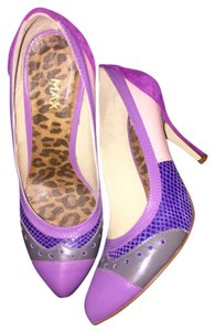 MAX from Germany Purple Pumps
