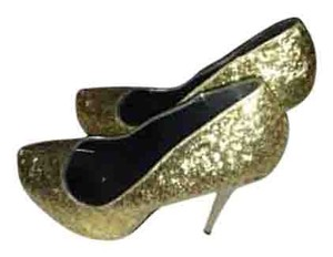Michael Antonio Gold glitter Pumps