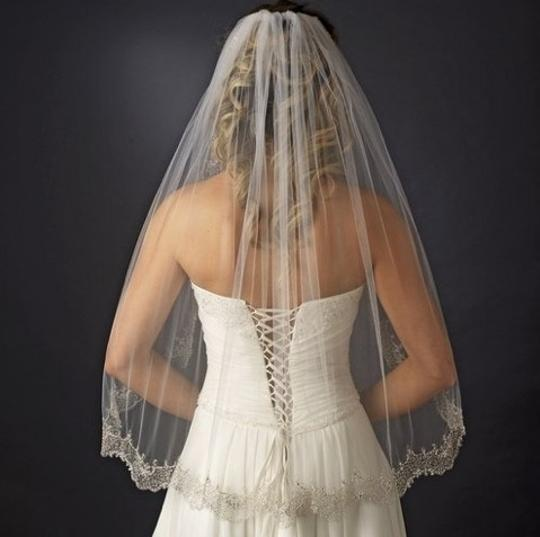 Ivory Medium Unused. Elaborately Beaded Embroidery Edge. Bridal Veil