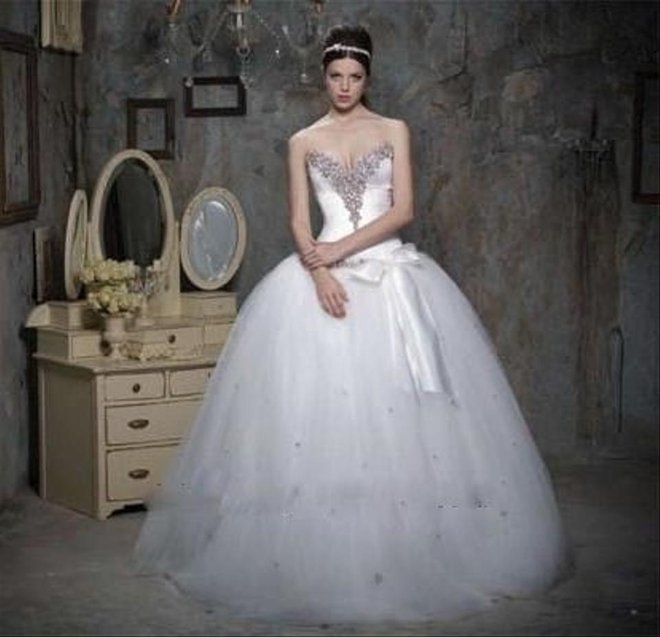 Strapless v neck princess ball gown size 2 wedding dress for V neck strapless wedding dress