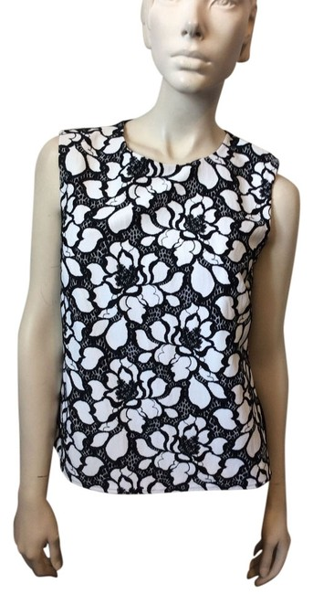 Preload https://item3.tradesy.com/images/diane-von-furstenberg-black-and-white-betty-tank-topcami-size-6-s-4546192-0-0.jpg?width=400&height=650