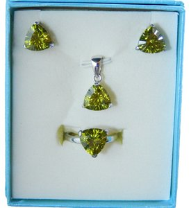 Other AUGUST BIRTHDAYS!!!! TRILLION RING, PENDANT & EARRING SET - PERIDOT COLOR