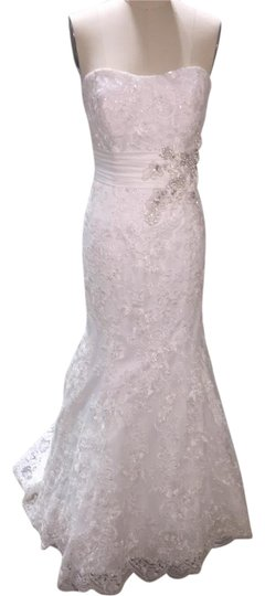 Allure Bridals Ivory/Silver Beaded Lace 8917 Feminine Wedding Dress Size 12 (L)