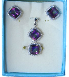 CUSHION RING, PENDANT & EARRING MEDIUM SET w/CZs AROUND