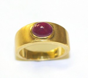 Gypsy05 Cobochon Bullet Ruby Gypsy Ring