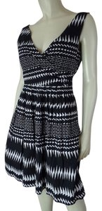 J.Crew short dress Black & White Geometric New With Tags & Print Cotton Sleeveless Retro Pockets Zip Pleated Lined V-neck on Tradesy