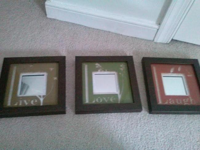 Item - Green Red Brown Live Laugh Love Mini Mirrors Reception Decoration