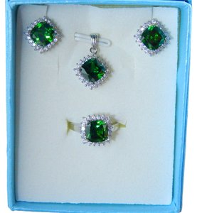 CUSHION RING, PENDANT & EARRING SMALL SET w/CZs AROUND - EMERALD COLOR