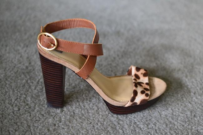 Item - Nude Chunky Heel Animal Print Strappy Sandals Size US 7.5 Regular (M, B)