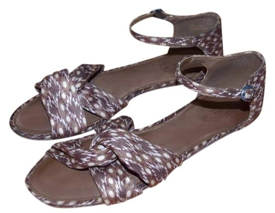 Preload https://item3.tradesy.com/images/american-eagle-outfitters-brown-sandals-4550632-0-0.jpg?width=440&height=440