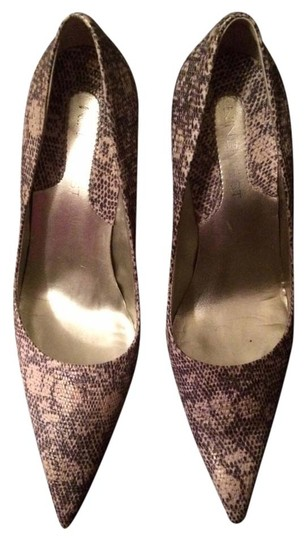 Nine West Tan and gray snakeskin Pumps