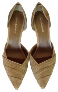 Donald J. Pliner Brown, tan, camel Pumps
