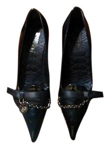 Gucci Patent Leather Pointed Toe Navy Pumps