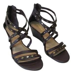 Selanz New Excellent Condition Size 7.00 brown Wedges