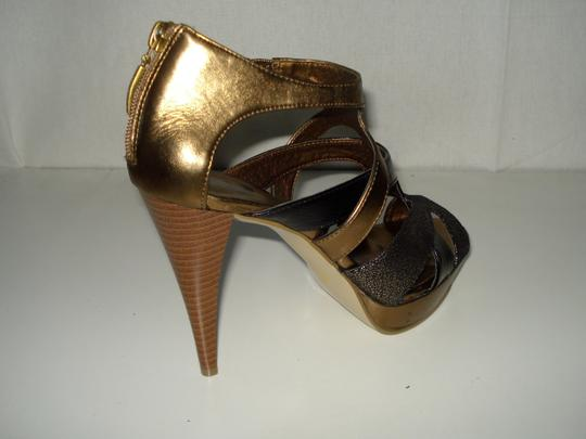 Guess Black/Copper/Bronze Pumps