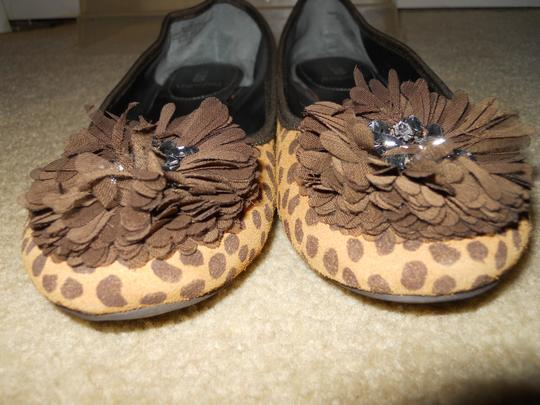 Enzo Angiolini Animal Print Leather tan & brown Flats