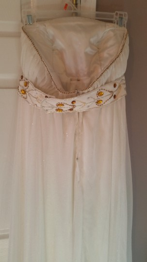 Off White Formal Bridesmaid/Mob Dress Size 6