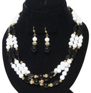 GESCH Vintage G.F. French Jet & Milkglass Milk Glass 3 Strand Necklace Earrings Set