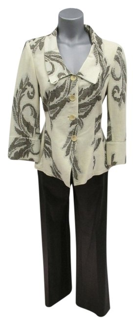 Preload https://item2.tradesy.com/images/armani-collezioni-brown-and-beige-cottonlinen-blend-jacket-with-leaf-design-blazer-size-4-s-4585006-0-0.jpg?width=400&height=650