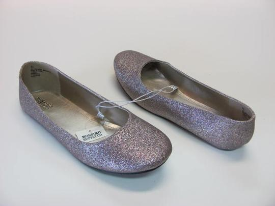 Mossimo Supply Co. New Excellent Condition Size 9.50 silver with colored sparkle Flats
