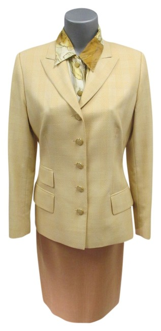 Item - Peach & Light Brown Patterned Jacket (38) and (40) Skirt Suit Size 6 (S)