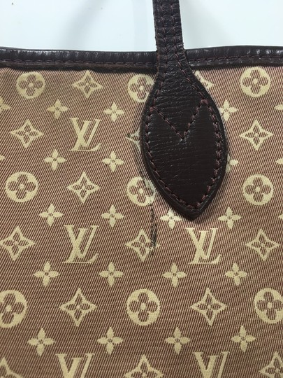 Louis Vuitton Tote in Beige and Burgundy