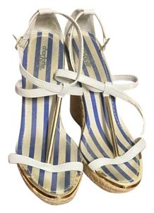 Charlotte Russe Tsrtap Wedge White/Gold Wedges