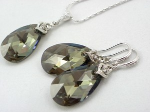 Iridescent Green Swarovski Crystal Teardrop Earrings And Necklace Hypoallergenic Rhodium Earrings Green Teardrop Pendant
