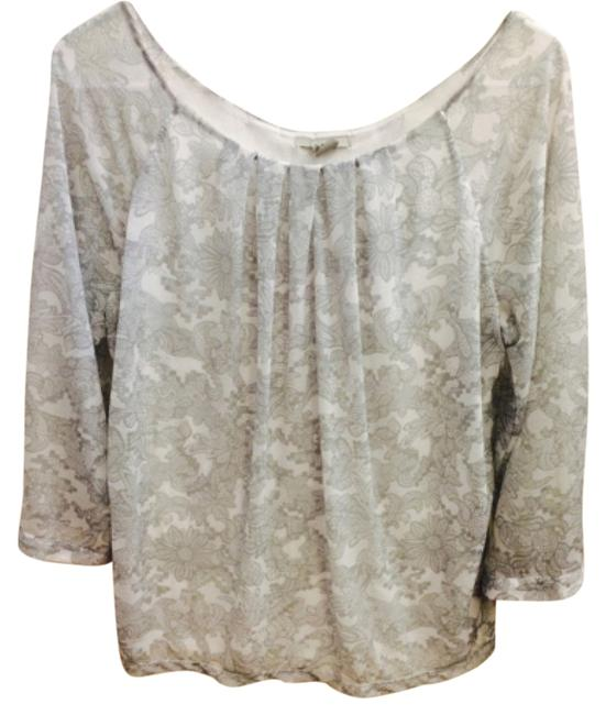 Preload https://item5.tradesy.com/images/h-and-m-grey-white-blouse-size-8-m-4591249-0-0.jpg?width=400&height=650
