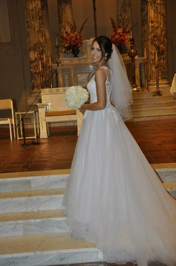 Allure Bridals White Tulle 2704 Formal Wedding Dress Size 2 (XS)