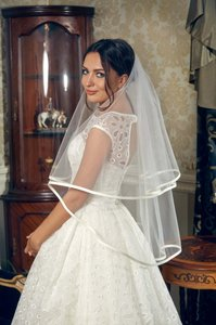 2t Ribbon Edge Wedding Veil-off White