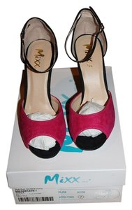 Mixx Shuz Fuchsia and Black Pumps
