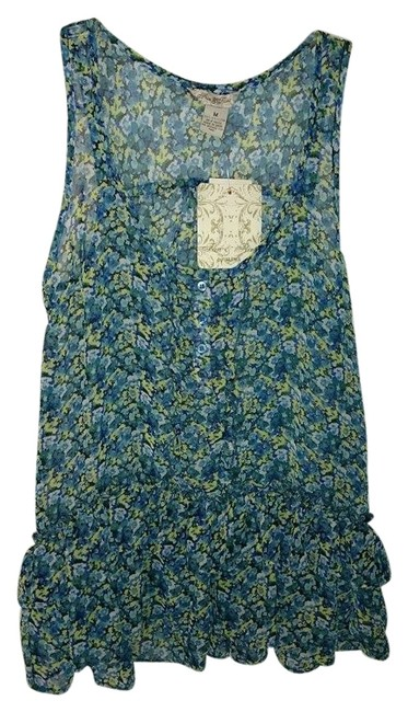 Preload https://item1.tradesy.com/images/floral-blouse-size-8-m-4594810-0-0.jpg?width=400&height=650