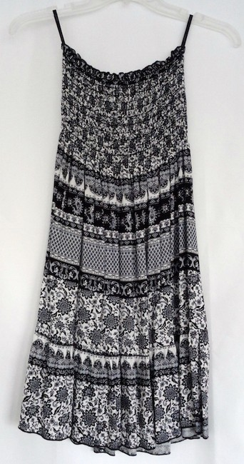 Papaya short dress Black and white Sleeveless Strapless Pattern on Tradesy