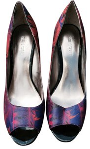 Nine West Red multi Pumps