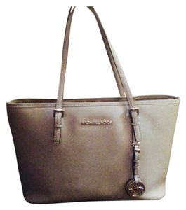 Michael Kors Tote in Grey