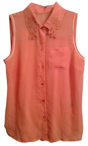 Vera Wang Woven: 100% Polyester Knit: 65% Polyester 35% Rayon Top Pink with white