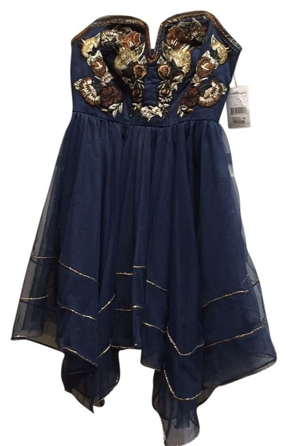 Preload https://item2.tradesy.com/images/free-people-navy-strapless-short-casual-dress-size-6-s-4627111-0-0.jpg?width=400&height=650