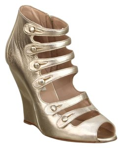 Oscar de la Renta Gold Wedges