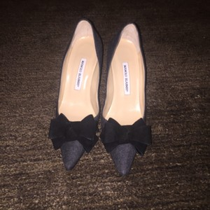 Manolo Blahnik Grey/Black Pumps