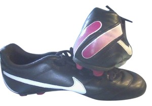 Nike Size 3y Pink/black black/pink Athletic