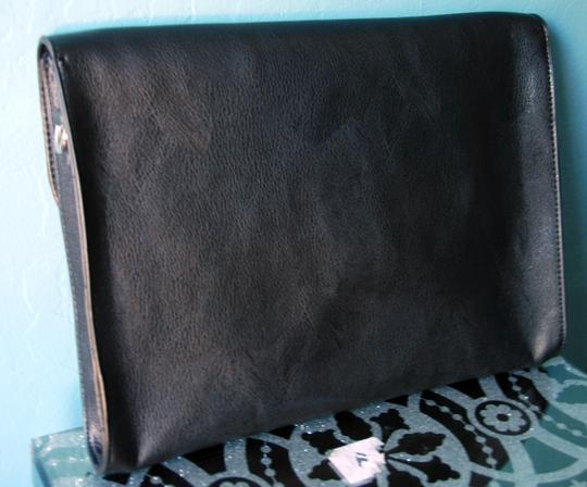 Forever 21 Convertible Large Detachable Strap Removable Strap Black Clutch