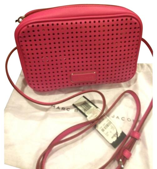 Preload https://item2.tradesy.com/images/marc-by-marc-jacobs-pink-leather-cross-body-bag-4634416-0-0.jpg?width=440&height=440