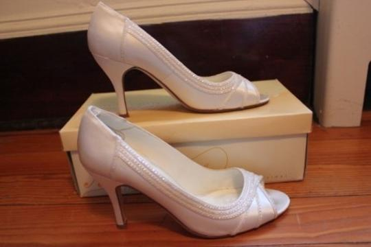 Preload https://item5.tradesy.com/images/ivory-michaelangelo-for-david-s-bridal-peep-two-in-size-us-85-46359-0-0.jpg?width=440&height=440
