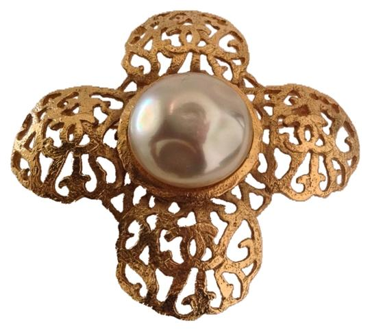 Preload https://item2.tradesy.com/images/chanel-gold-rare-vintage-1980-s-season-23-plated-cc-pearl-brooch-4659511-0-0.jpg?width=440&height=440