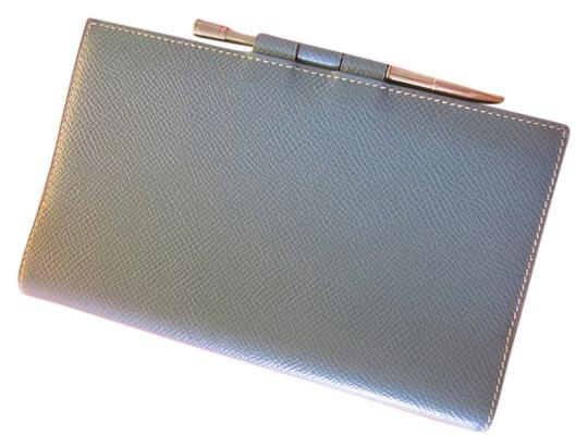 Preload https://item1.tradesy.com/images/hermes-blue-agenda-notebook-cover-with-silver-pen-4659820-0-0.jpg?width=440&height=440