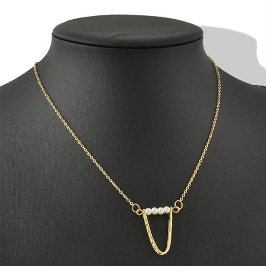 Other Charming Pearl Traingle loop necklace